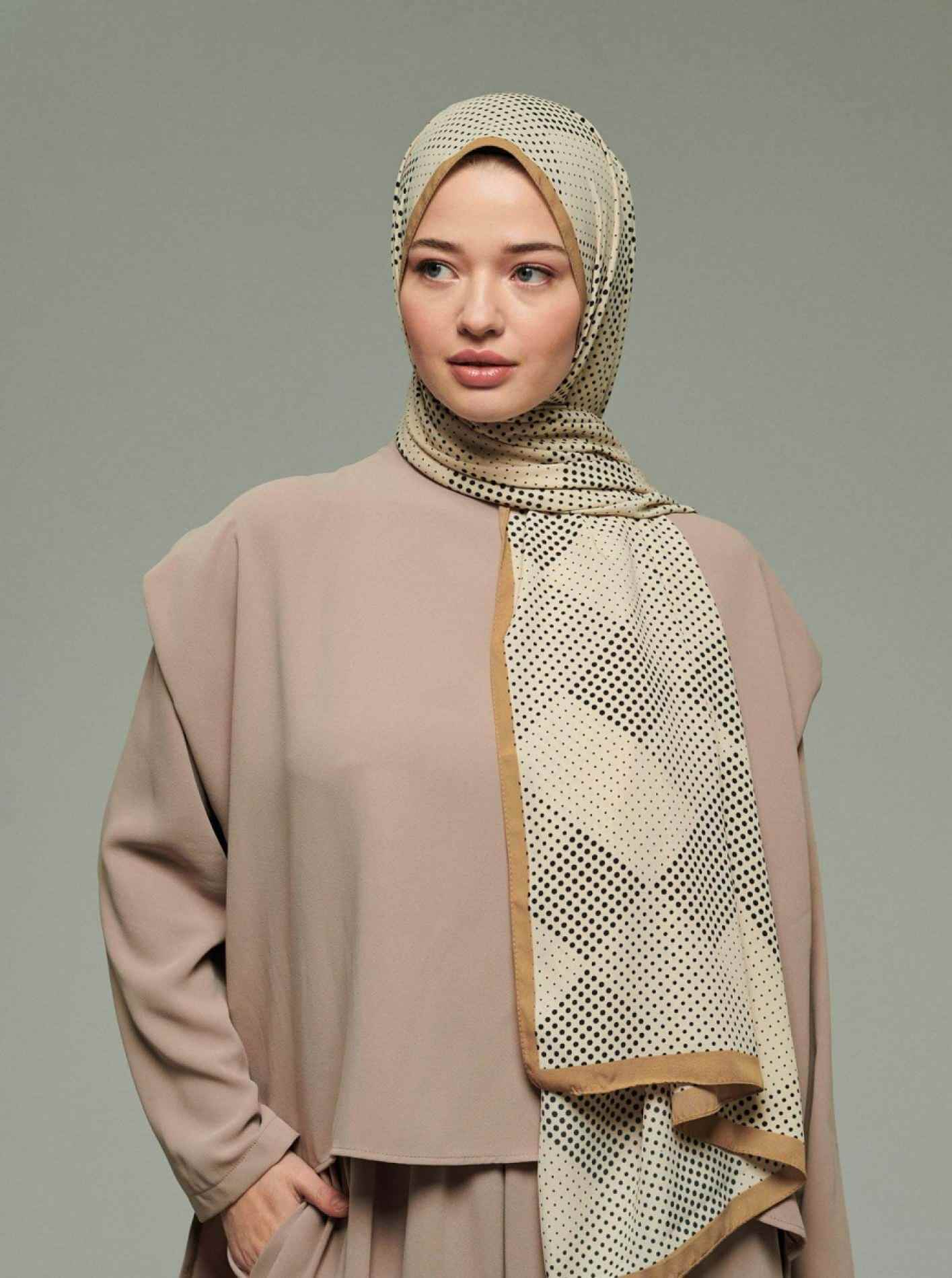 Caramel Series Point Patterned Shawl