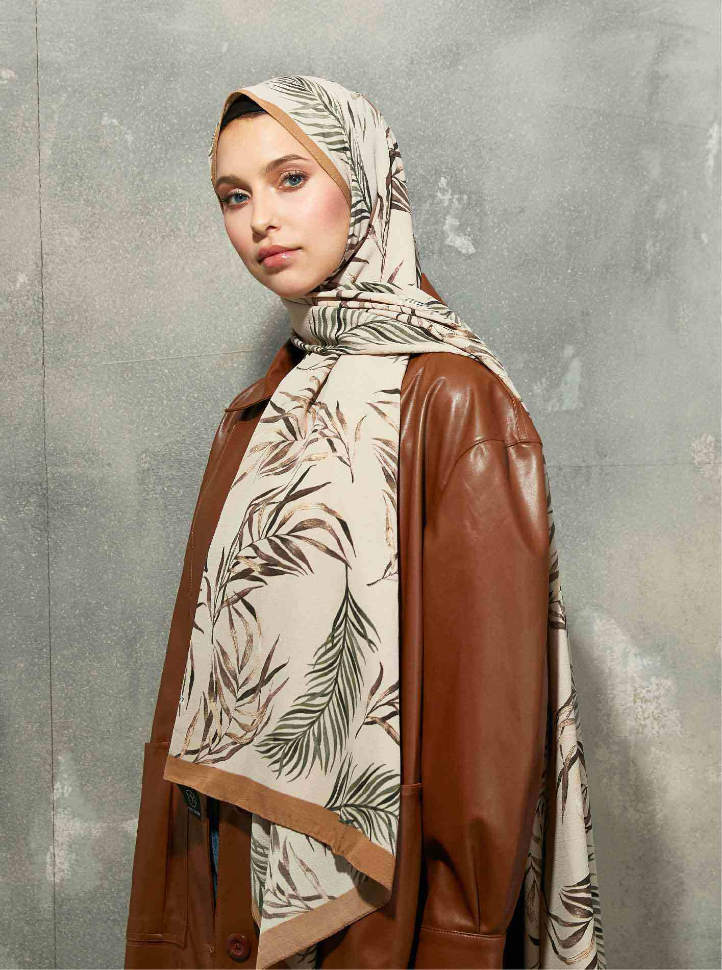 Flora Series Botanical Branches Patterned Shawl Mink