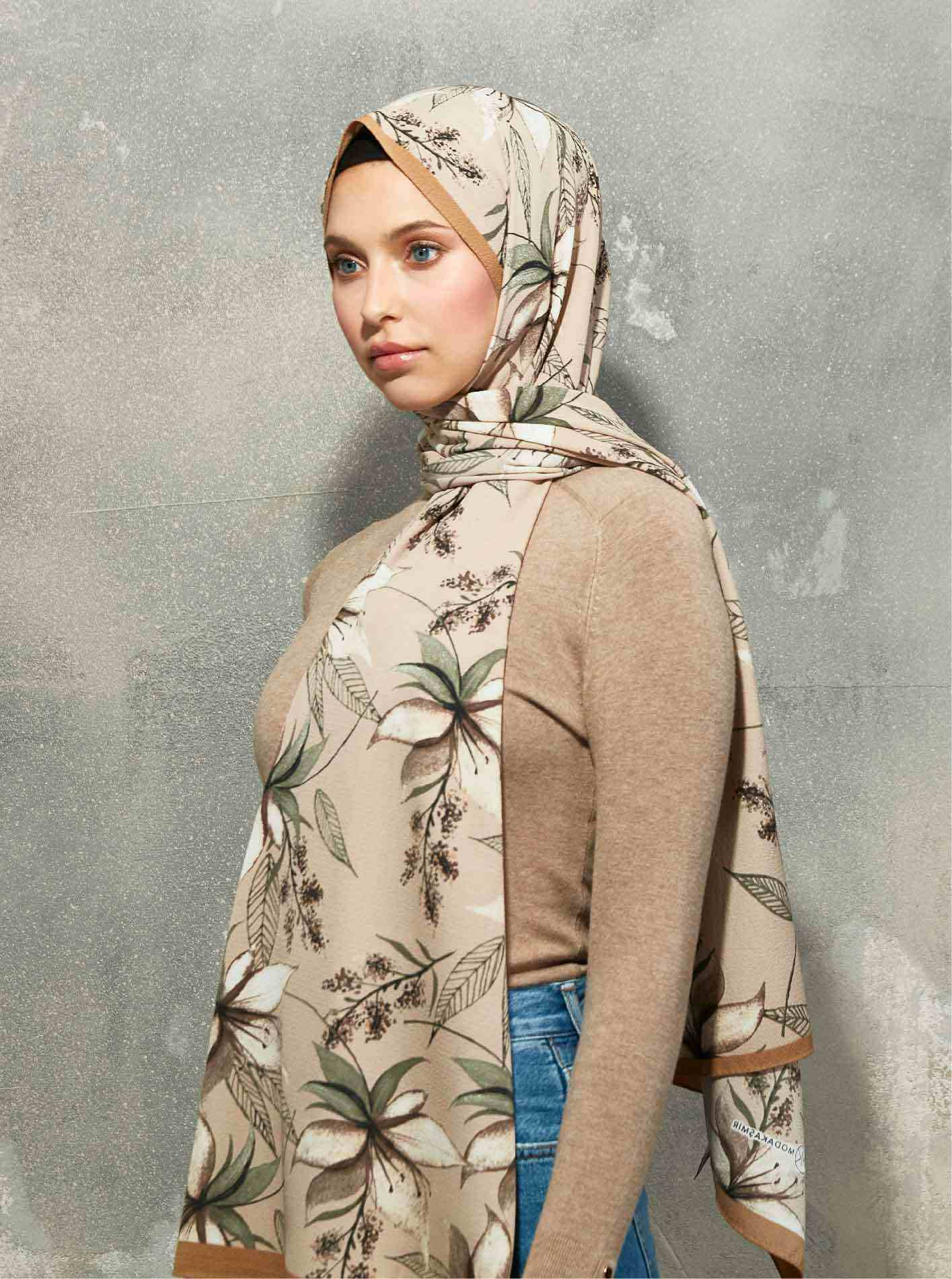 Flora Series Clematis Patterned Shawl Mink