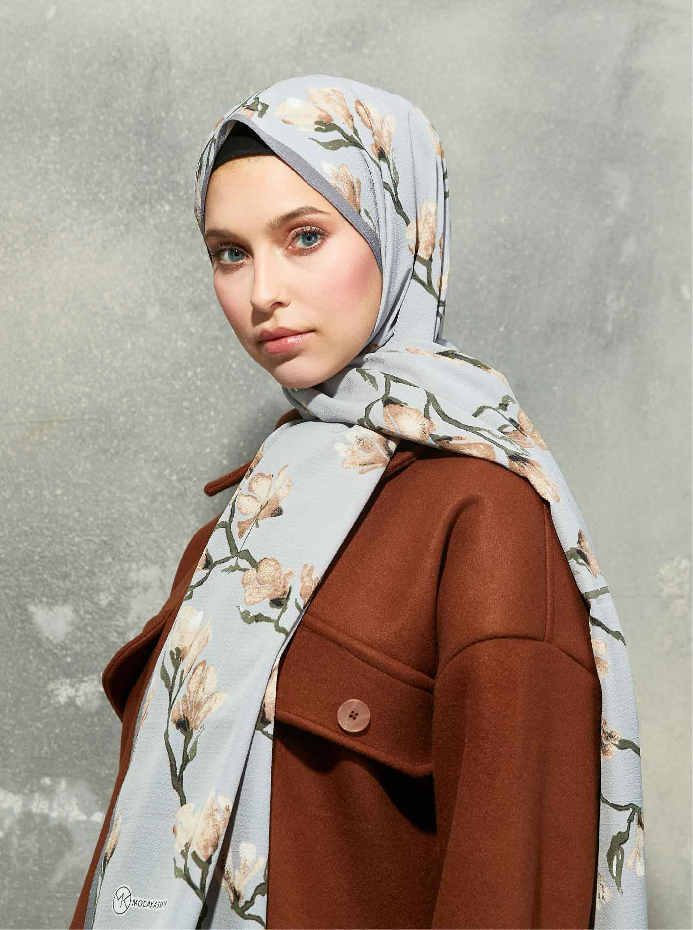 Flora Series Magnolia Branches Patterned Shawl Grey