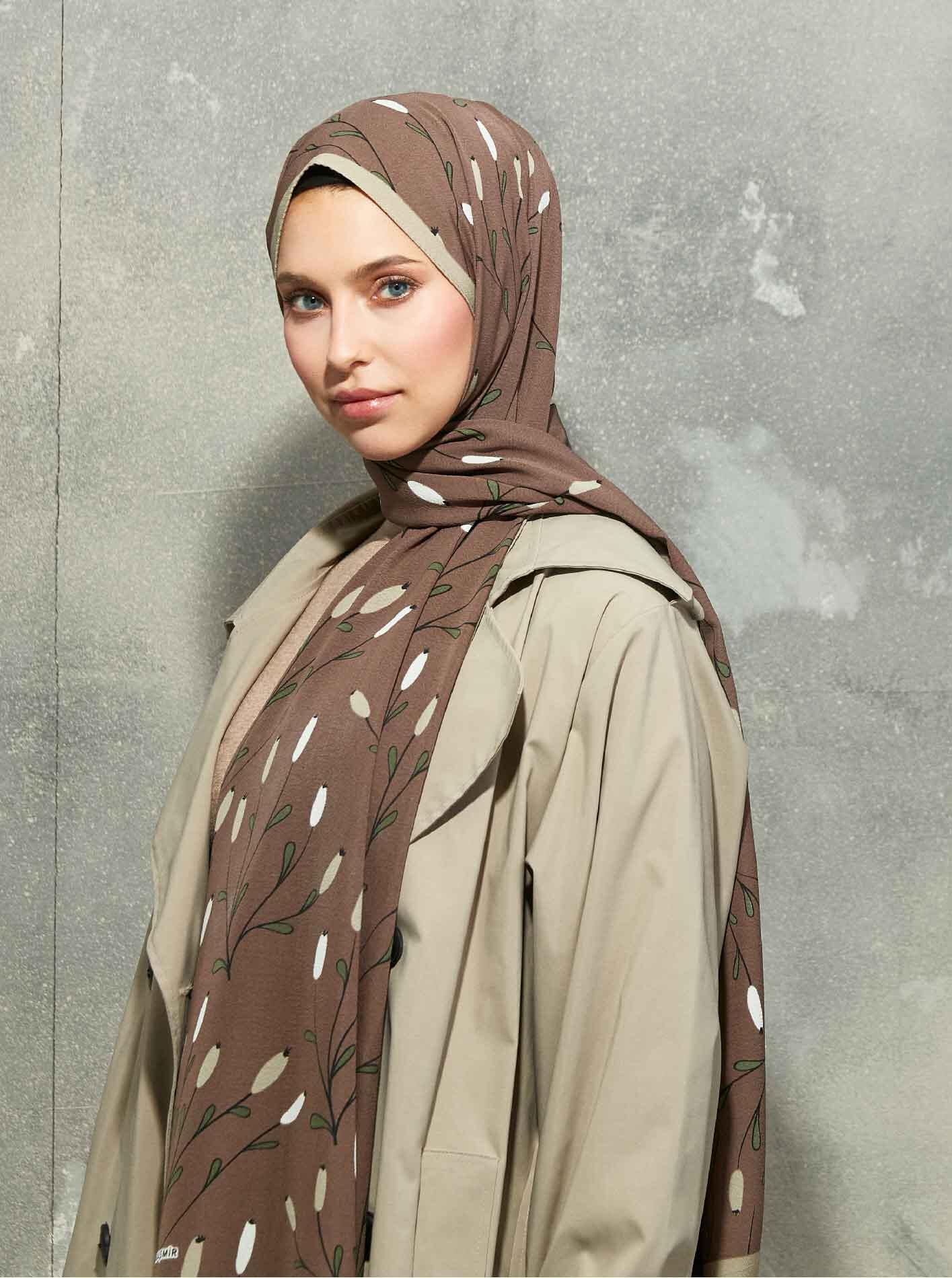 Flora Series Winter Crops Patterned Shawl Brown