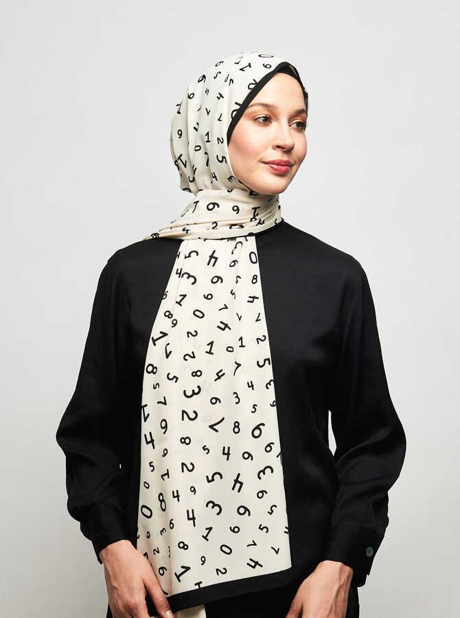Pearly Series Number Patterned Shawl
