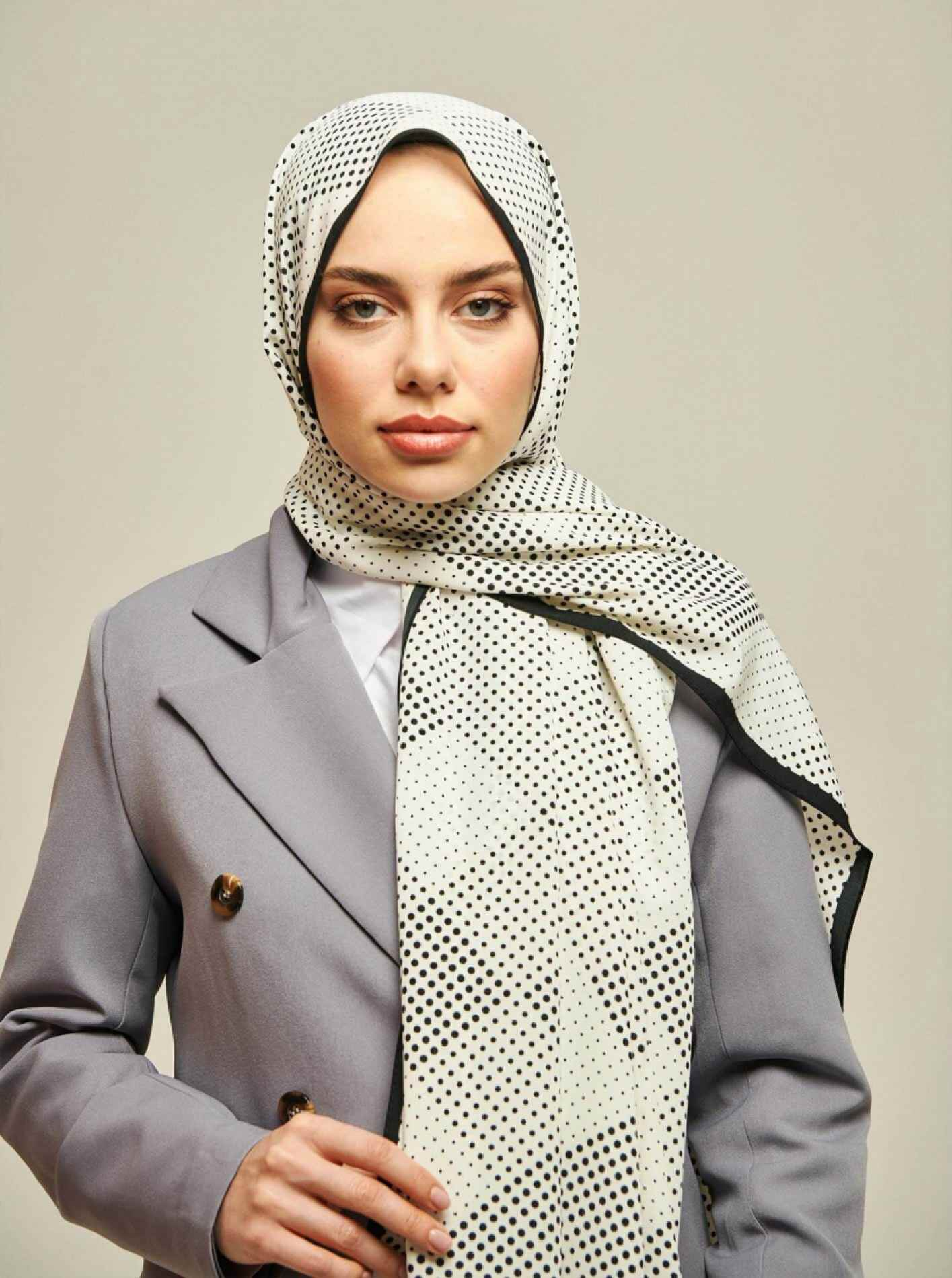 Pearl series Point Patterned Shawl