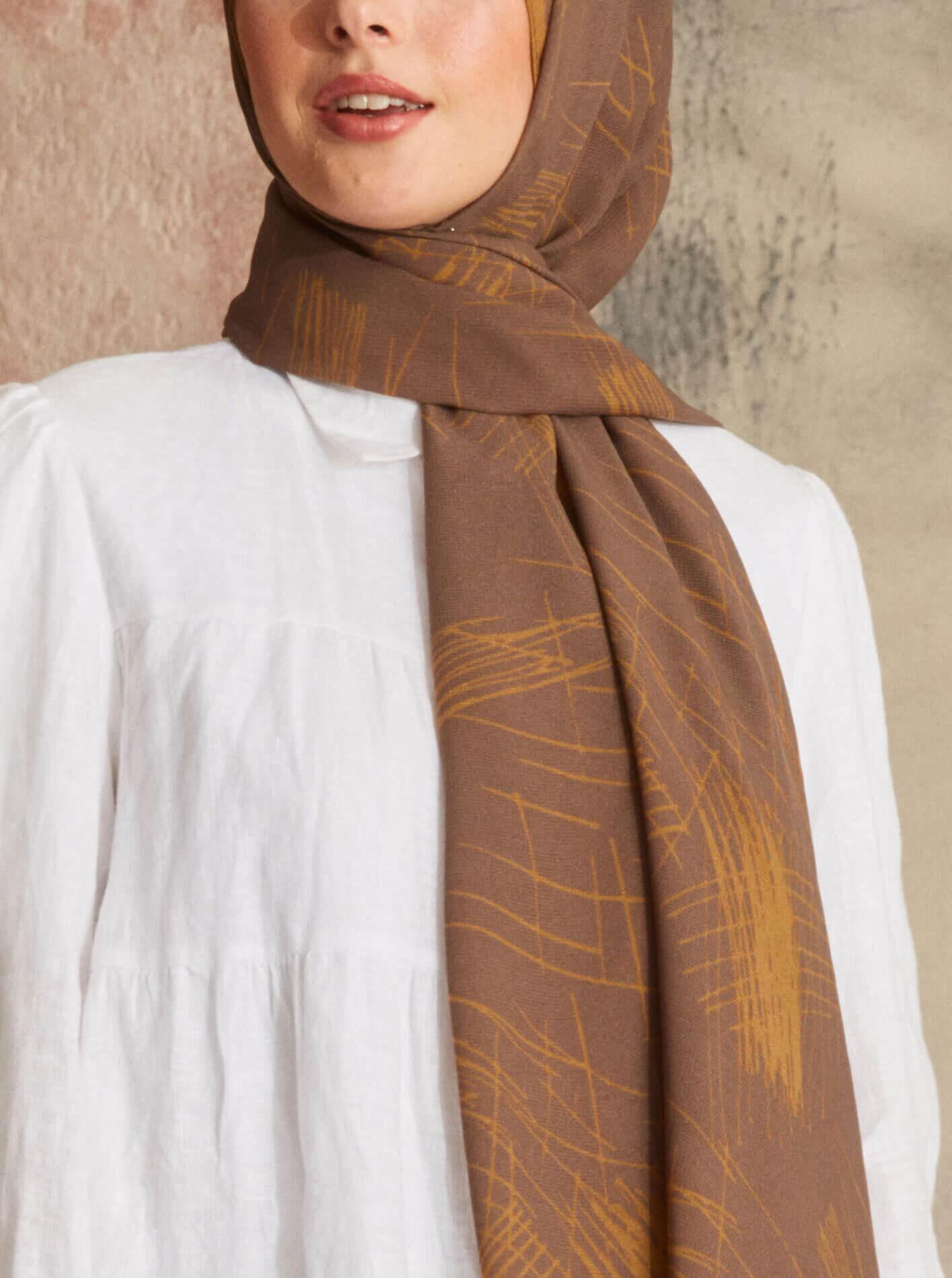 Touch Medina Silk Graph Patterned Brown